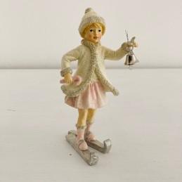 Dievčatko na lyžiach