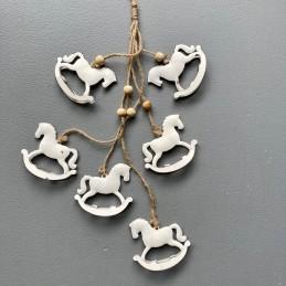 Girlanda bieli koníky