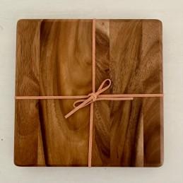 Dřevěné podložky pod talíř...
